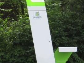 Elektrotankstelle in Kärnten, teilbeleuchtet